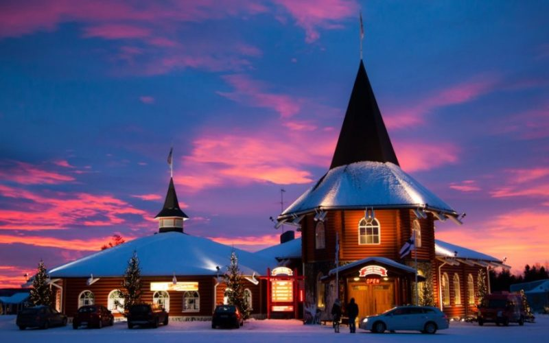 Деревня Санта-Клауса г. Рованиеми